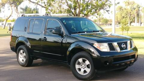 2005 Nissan Pathfinder for sale at CAR MIX MOTOR CO. in Phoenix AZ