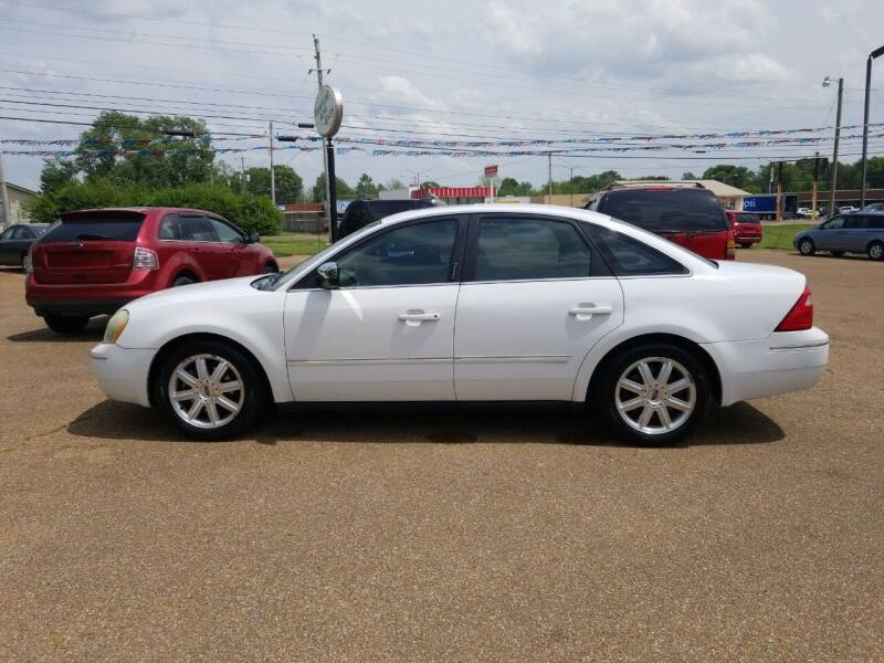 2006 Ford Five Hundred for sale at Frontline Auto Sales in Martin TN