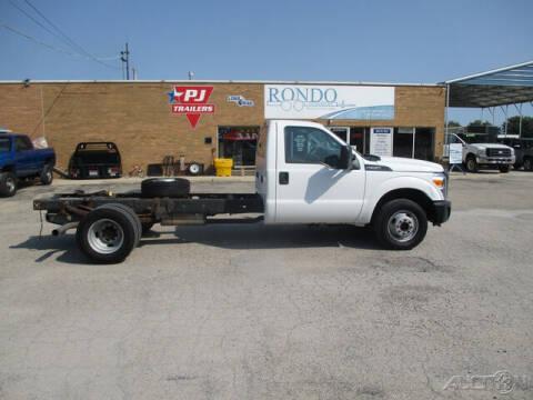 2014 Ford F-350 Super Duty for sale at Rondo Truck & Trailer in Sycamore IL