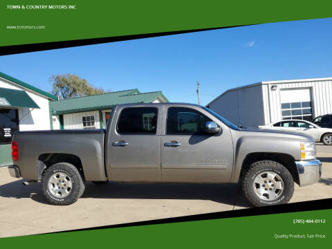 2013 Chevrolet Silverado 1500 for sale at TOWN & COUNTRY MOTORS INC in Meriden KS