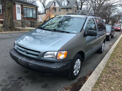 2000 Toyota Sienna for sale at Michaels Used Cars Inc. in East Lansdowne PA