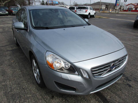 2013 Volvo S60 for sale at U C AUTO in Urbana IL