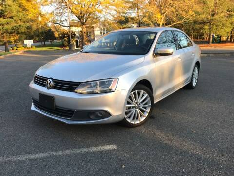 2013 Volkswagen Jetta for sale at CLIFTON COLFAX AUTO MALL in Clifton NJ
