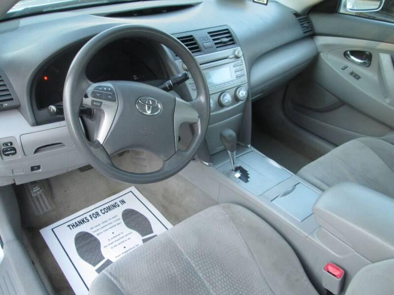 2010 Toyota Camry LE 4dr Sedan 6A - Lowell MA