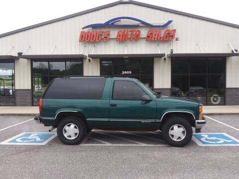 1997 Chevrolet Tahoe for sale at DOUG'S AUTO SALES INC in Pleasant View TN