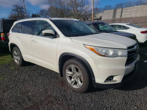 2015 Toyota Highlander for sale at Universal Auto Sales in Salem OR