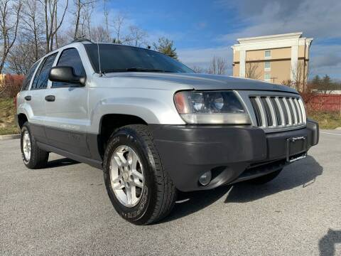 2004 Jeep Grand Cherokee for sale at Auto Warehouse in Poughkeepsie NY