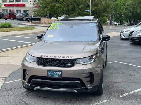 2017 Land Rover Discovery for sale at Circle Auto Sales in Revere MA