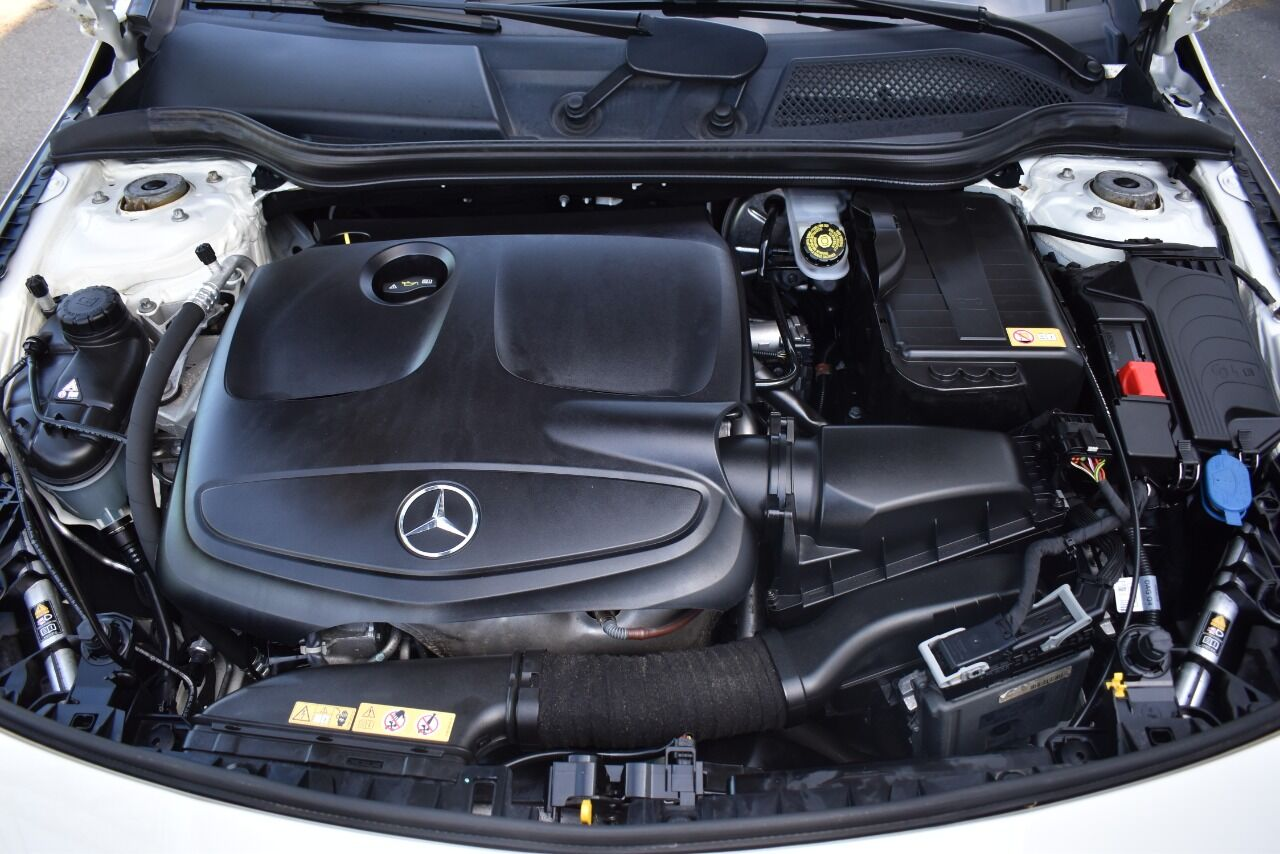 2014 Mercedes-Benz CLA CLA 250 4MATIC AWD 4dr Sedan full