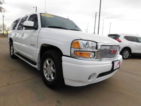 2002 GMC Yukon XL for sale at AP Auto Brokers in Longmont CO