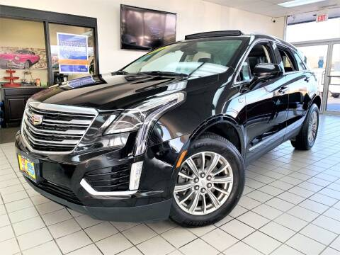 2017 Cadillac XT5 for sale at SAINT CHARLES MOTORCARS in Saint Charles IL