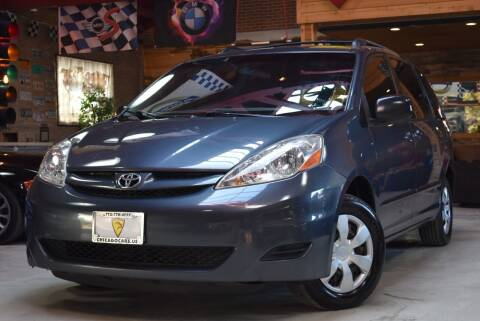 2006 Toyota Sienna for sale at Chicago Cars US in Summit IL