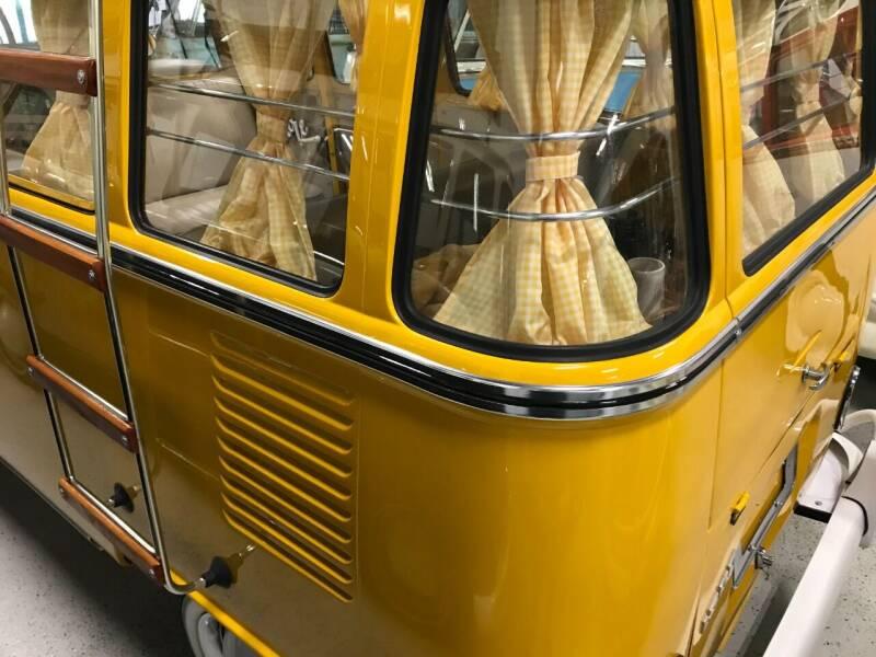 1973 Volkswagen Vanagon 15 window - Boca Raton FL