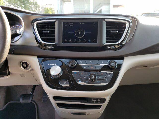 2018 Chrysler Pacifica Touring Plus 4dr Mini-Van - Melbourne FL