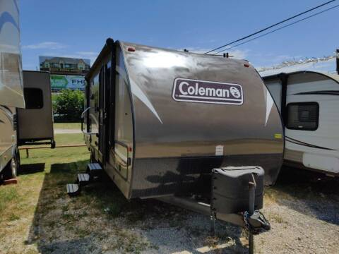 2018 COLEMAN LIGHT 2405BH for sale at Texas RV Trader in Cresson TX