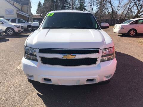 2007 Chevrolet Tahoe for sale at WB Auto Sales LLC in Barnum MN