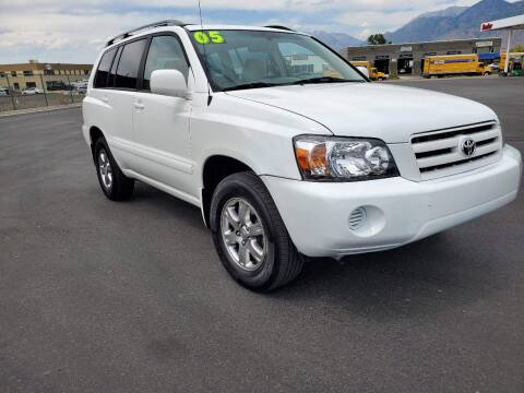 2005 Toyota Highlander for sale at FRESH TREAD AUTO LLC in Springville UT