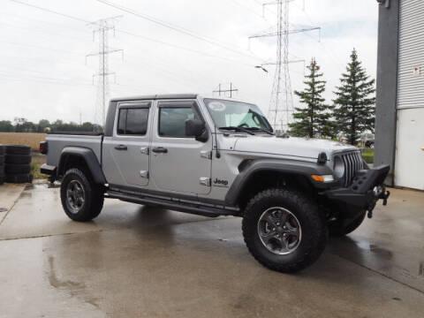 2020 Jeep Gladiator for sale at SIMOTES MOTORS in Minooka IL