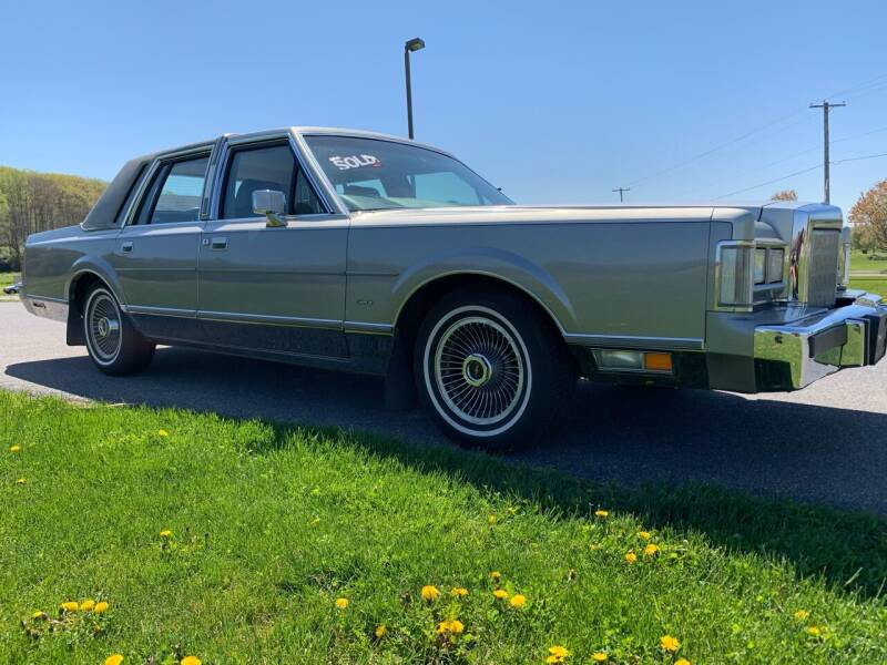 1988 Lincoln Town Car for sale at Waltz Sales LLC in Gap PA