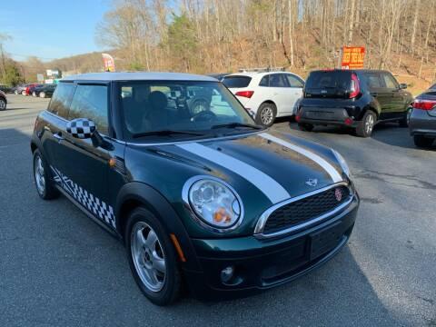 2010 MINI Cooper for sale at D & M Discount Auto Sales in Stafford VA