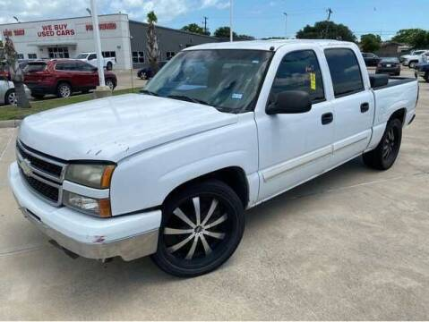 2006 Chevrolet Silverado 1500 for sale at CARDEPOT in Fort Worth TX