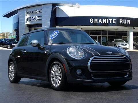 2016 MINI Hardtop 2 Door for sale at GRANITE RUN PRE OWNED CAR AND TRUCK OUTLET in Media PA