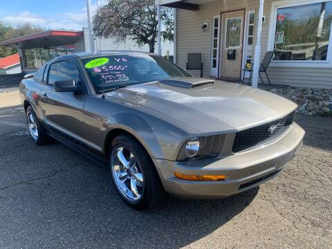 2005 Ford Mustang for sale at G & G Auto Sales in Steubenville OH