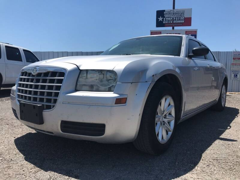 2008 Chrysler 300 for sale at Texas Country Auto Sales LLC in Austin TX