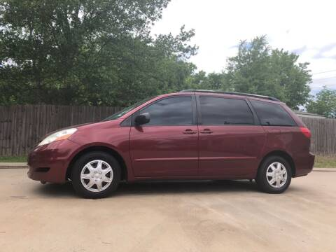 2009 Toyota Sienna for sale at H3 Auto Group in Huntsville TX