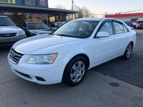 2009 Hyundai Sonata for sale at Wise Investments Auto Sales in Sellersburg IN