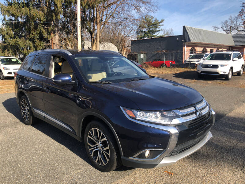 2016 Mitsubishi Outlander for sale at Chris Auto Sales in Springfield MA