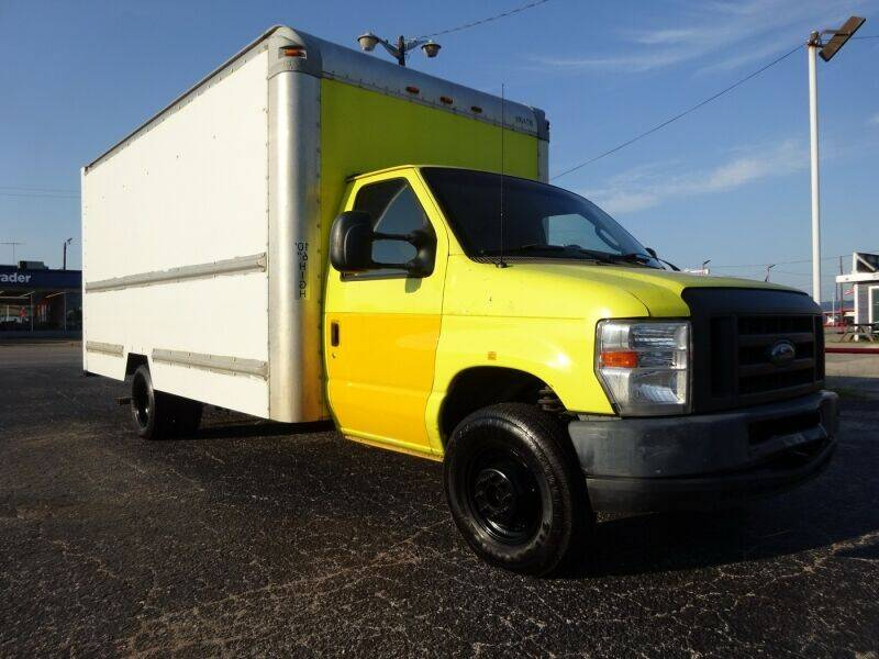 2012 Ford E-Series Chassis for sale in Arlington, TX