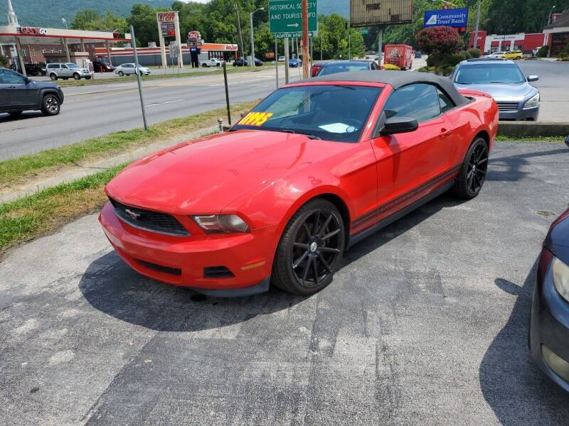 2011 Ford Mustang for sale at Ellis Auto Sales and Service in Middlesboro KY