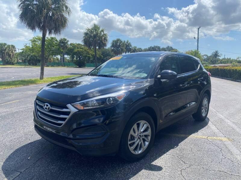 2018 Hyundai Tucson for sale at Lamberti Auto Collection in Plantation FL