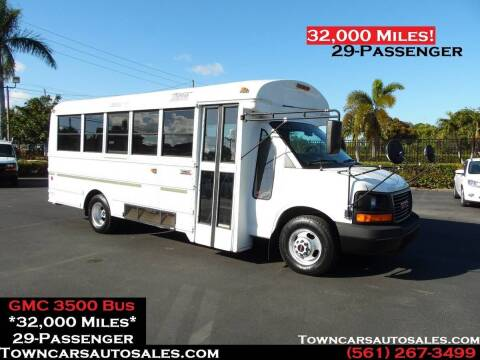 2004 GMC Savana Passenger for sale at Town Cars Auto Sales in West Palm Beach FL
