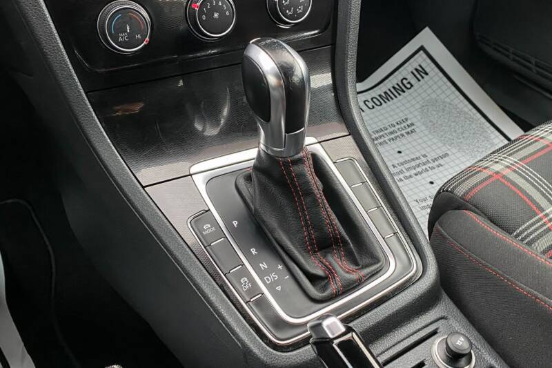 2015 Volkswagen Golf GTI 2.0T S 4-Door - East Greenbush NY