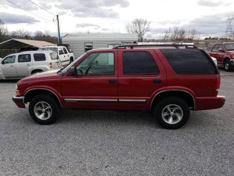 2001 Chevrolet Blazer for sale at CAR-MART AUTO SALES in Maryville TN