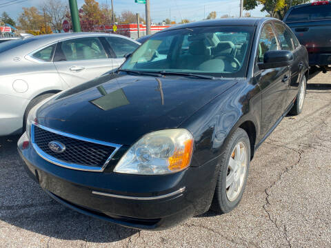 2006 Ford Five Hundred for sale at GREENLIGHT AUTO SALES in Akron OH