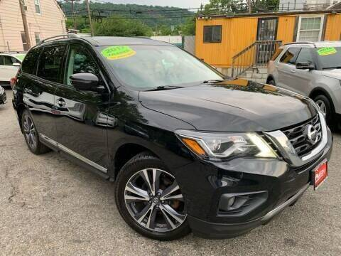 2017 Nissan Pathfinder for sale at Auto Universe Inc. in Paterson NJ