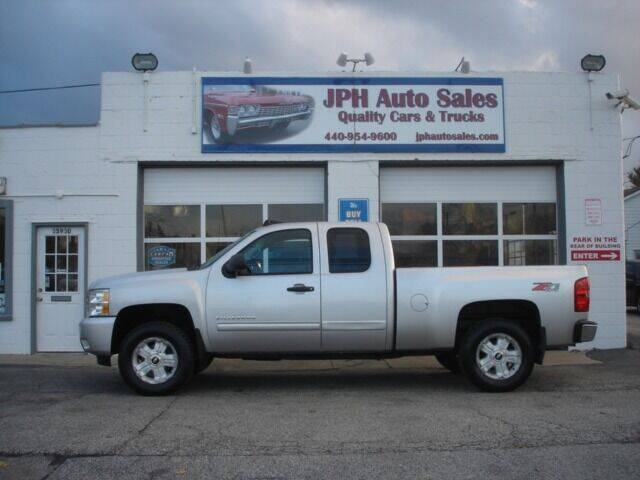 2011 Chevrolet Silverado 1500 for sale at JPH Auto Sales in Eastlake OH