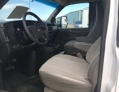 2014 Chevrolet G3500 Van LIKE NEW $19950