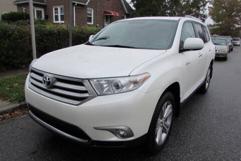 2013 Toyota Highlander for sale at First Choice Automobile in Uniondale NY