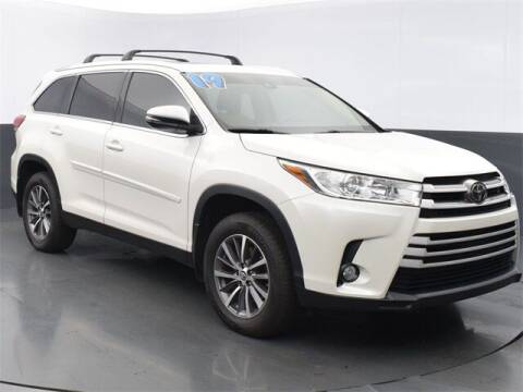 2019 Toyota Highlander for sale at Tim Short Auto Mall in Corbin KY