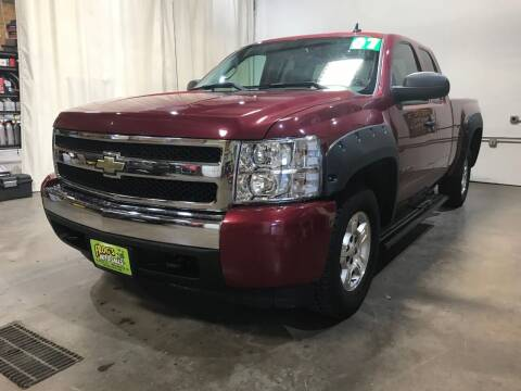 2007 Chevrolet Silverado 1500 for sale at Frogs Auto Sales in Clinton IA