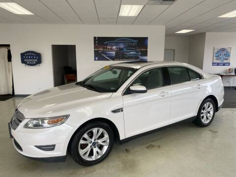 2011 Ford Taurus for sale at Used Car Outlet in Bloomington IL