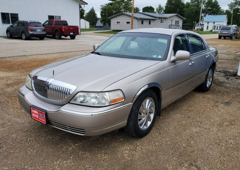 2003 Lincoln Town Car for sale at Union Auto in Union IA