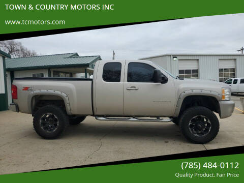 2008 Chevrolet Silverado 1500 for sale at TOWN & COUNTRY MOTORS INC in Meriden KS