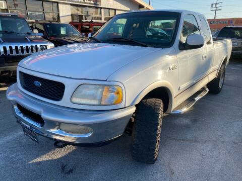 1997 Ford F-150 for sale at Donada  Group Inc in Arleta CA