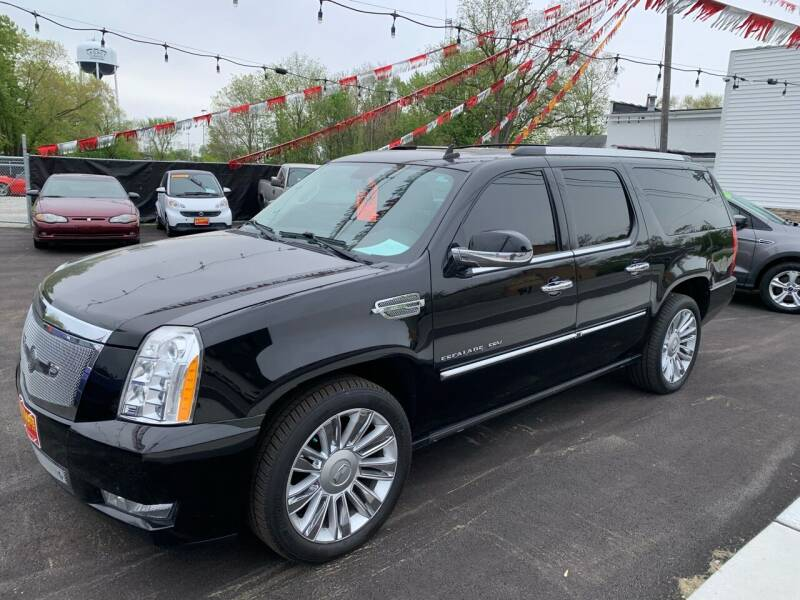2010 Cadillac Escalade for sale at Ultimate Auto Sales in Crown Point IN