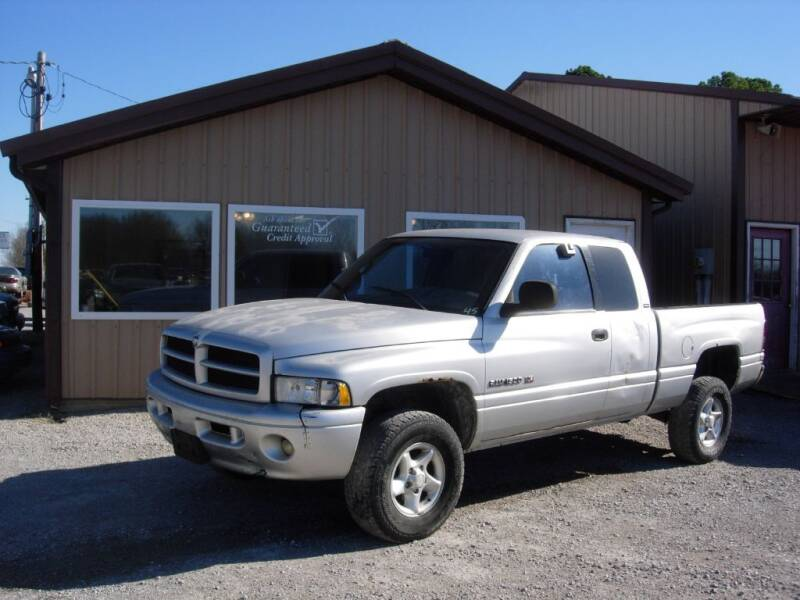 2001 Dodge Ram Pickup 1500 for sale at Greg Vallett Auto Sales in Steeleville IL